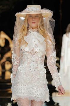 YolanCris 2017 Kollektion BARCELONA BRIDAL FASHION WEEK http://www.hochzeitswahn.de/inspirationsideen/yolancris-2017-kollektion/ #bride #weddingdress #fashion