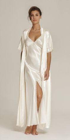 Satin is Sexy Jolie Lingerie, Lace Lingerie Set, Lingerie Dress, Pretty Lingerie, Beautiful Lingerie, Satin Cami Dress, Satin Gown, Satin Dresses, Bridal Nightwear