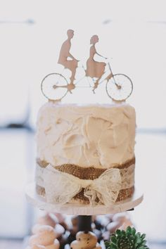 . Unique Cake Toppers, Unique Cakes, Vanilla Cake, Cake Ideas, Wedding Cakes, Weddings, Desserts, Wedding Gown Cakes, Tailgate Desserts