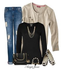 Great fall outfit. Long sleeve black tee, boyfriend jeans,  and a cardigan. Love the shoes!