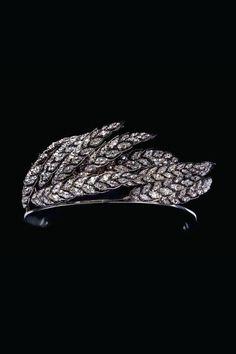 Diadème asymétrique au motif d'épis de blé balayés par le vent, dans le goût de l'impératrice Joséphine, or, argent et diamants, attribué à Nitot, circa 1810, Collection Chaumet Paris.