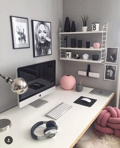 Shoutout no. 26 ⭐️ - goes to another one of my dear friends, sweet Melike! 🙌🏻😍 She's a master in styling and I love her touch of pink! 💗 This workplace is a dream! 😍👌🏻 Go follow 👆🏻@easyinterieur for more amazing inspo! 👏🏻✨ Thank you so much for participating in my SFS! 🙌🏻😘 I'll continue sharing your amazing accounts tomorrow! 🙌🏻 Good night sweet instas! 💫 ▫️▫️▫️▫️▫️▫️▫️▫️▫️▫️▫️▫️▫️▫️▫️▫️▫️ #nordichome #nordicdesign #scandinavianhome #nordiskehjem #nordicliving…