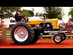 Antique Tractors Pulling at Florida Flywheelers