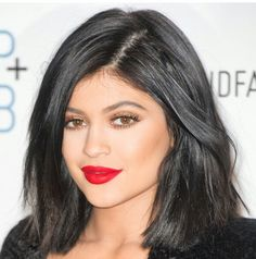 Kylie jenner makeup glam beauty red lips