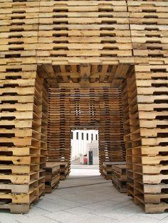 Paligloo projet d 39 igloo en paille avec structure en bois - Recherche palette de bois a donner ...