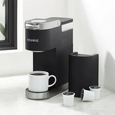 Keurig Black Mini Plus Pod Coffee Makers, Drip Coffee Maker, Coffee Brewer, Hot Coffee, Keurig Mini, Coffee Maker Reviews, Studio Apartment Decorating, Espresso Maker, Kitchen Items