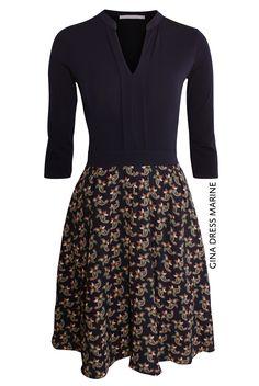 Gina Dress Marine von KD Klaus Dilkrath #kdklausdilkrath #kd #dilkrath #kd12 #outfit