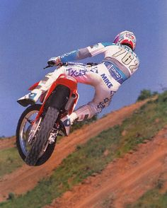 125, 250 and 500 National Motocross champion Mike Kiedrowski busting out a little style on his Honda CR125 for @motocrossactionmag 's cameras in 1989 #TX10 #MXKied #RideRed #125sRule #UnderratedChampion #BadMoFo #IGotLunnised #Motocross #80SMoto