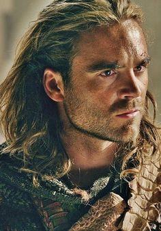 General Foryx Dagolkef of the Caekr Clan