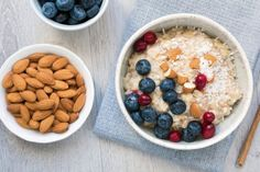 When it comes to putting together a good breakfast, it's easy to go overboard on the sugar or simple carbs. A registered dietitian offers her tips on how to build a healthy breakfast that fuels your day. Health Benefits Of Almonds, Almond Benefits, Best Breakfast, Breakfast Recipes, Breakfast Healthy, Oatmeal With Fruit, Oatmeal Porridge, Chicken Breast Recipes Healthy, Eat Fruit
