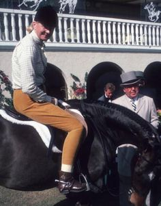 C.Z. Guest riding in 1982, photo by Slim Aarons.