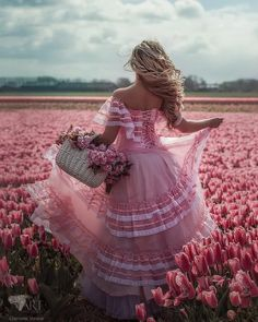 Photography flowers field ana rosa ideas for 2019 Flower Girls, Flower Girl Dresses, Dress Girl, Everything Pink, Lany, Pink Aesthetic, Aesthetic Vintage, Aesthetic Collage, Belle Photo