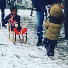 Sneeuwdag. Are you also enjoying this wonderful winter day?  #sneeuw #amsterdam #gramthedam #snowday #snow #storm #february #februari #nederland #winter #sledding #happykids