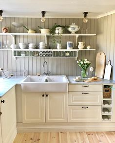 Nice o sunny day on the market today with coffee on the veranda Is so happy about my spice rack . Glad, Home Reno, Sunny Days, Kitchen Design, Ikea, Shabby Chic, Kitchen Cabinets, Cottage Farmhouse, Interior Design