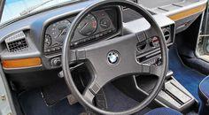 BMW 525 E12 interior