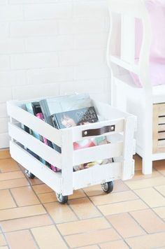 Do It Yourself: Rollende Obstkiste bauen DIY Instructions: Build a Rolling Fruit Crate. From an old fruit box can be easily tinker still nice decoration, I'll show you the Do It Yourself. Related posts: Wine crate table build yourself