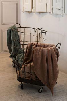 Más en www.lamallorquina.com Baby Strollers, Interior Design, Duvet Covers, Beds, Yurts, Colors, Design Interiors, Baby Prams, Home Interior Design