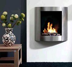De #RubyFires Bio Flame HH is een roestvrij stalen bio-ethanol #hanghaard. Door de compacte afmetingen van de Ruby Fires Bio Flame HH is deze ideaal voor kleinere ruimtes. #Interieur #Fireplace #Fireplaces