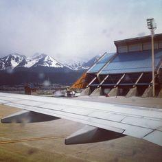 """Aeropuerto Internacional de Ushuaia """"Malvinas Argentinas"""" (USH) in Ushuaia, Tierra del Fuego, Antártida e Islas del Atlántico Sur"""