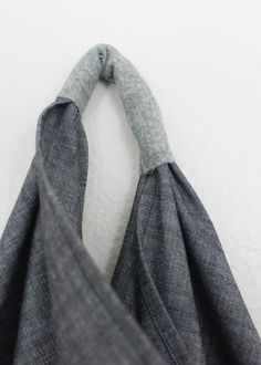 Lula Louise: Winter Wardrobe No. 6 – Triangle Bag with Tutorial