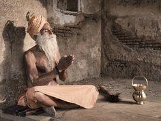 Seeing the Light Om Namah Shivaya, India Culture, Old Building, Varanasi, Indian Paintings, People Of The World, Statue, Portrait, Beautiful