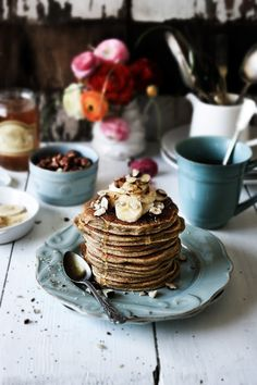 Pratos e Travessas: Panquecas de centeio integral e ricotta # Whole rye, ricotta pancakes | Food, photography and stories