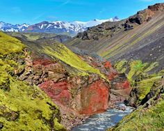Epic Trekking Trails In The World: Laugavegurinn/Fimmvörðuháls Pass, Iceland Oh The Places You'll Go, Places To Travel, Places To Visit, South Georgia Island, Adventures Abroad, Continental Divide, Appalachian Trail, Travel Abroad, Trekking
