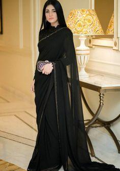 May 2020 - Sarah Khan is an amazing actress. Sara Khan looks Amazing in Saree. Party Wear Indian Dresses, Pakistani Fashion Party Wear, Pakistani Wedding Outfits, Pakistani Dresses Casual, Indian Gowns Dresses, Dress Indian Style, Indian Fashion Dresses, Pakistani Dress Design, Indian Designer Outfits