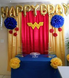 Wonder Woman Decoration Wonder Woman Birthday, Wonder Woman Party, Birthday Woman, Mom Birthday, Birthday Party For Teens, Superhero Birthday Party, Birthday Party Decorations, Birthday Ideas, Anniversaire Wonder Woman