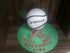 Hurling/camogie cake Sports Themed Cakes, Sport Cakes, Party Cupcakes, Cake Creations, Cake Decorating, Bakery, Party Ideas, Decoration, Birthday
