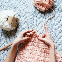 le point d'étamines - the slip stitch honeycomb — trust the mojo Knitting Party 11 mars 2017 Manado, Waffle Stitch, Seed Stitch, Le Point, Knitting Stitches, Merino Wool Blanket, Basket Weaving, Autumn Leaves, Blue Nails