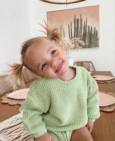 Cute Little Baby, Little Babies, Cute Babies, Cute Baby Girl Outfits, Cute Baby Clothes, Baby Girls, Baby Boy, Little Presents, Foto Baby