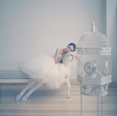 My by far biggest weakness. Ballet-dressed women. Nice composition either. Photo by Anka Zhuravleva.