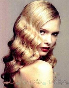 Mezuniyet Balosu Saç Modelleri - // #mezuniyetbalosusaçmodelleri #mezuniyetbalosusaçörnekleri Modeller için tıklayın = https://www.modakombin.net/mezuniyet-balosu-sac-modelleri-h2556.html