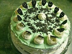 Woodruff cake, a very nice recipe from the cake category. Ratings: Average: Ø cake decorating recipes kuchen kindergeburtstag cakes ideas Kahlua Cake, Cake Recipes, Dessert Recipes, Cake Decorating For Beginners, Wedding Cake Flavors, Wedding Cakes, Food Cakes, Cake Mold, Dessert Bars