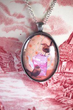 vogel ketting, theepot hanger, glazen cabochon, glazen hanger, winterkoninkje juweel, illustratie ketting, valentijnscadeau, vogelliefhebber