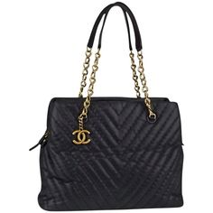 Pre-owned Chanel Black Chevron Quilted Iridescent Leather Surpique... ($2,450) ❤ liked on Polyvore featuring bags, handbags, tote bags, none, leather handbags, genuine leather tote, black leather purse, chanel tote bag and black leather tote