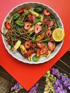 Strawberry Salsa, Paella, Pasta Salad, Asparagus, Potato Salad, Potatoes, Ethnic Recipes, Food, Kitchens