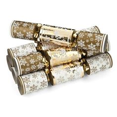 8Pack Gold & Silver Crackers | Poundland