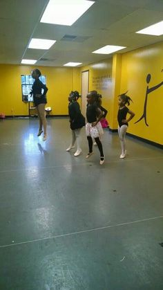 5 - 7 years old ballet practicing echeppe!