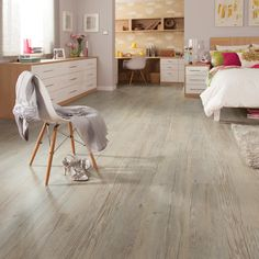 Karndean Loose Lay country oak in the bedroom, supplied by Evolved Luxury Floors, Gold Coast. Country Oak | ELF