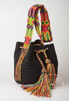 Mexican Black Crochet Bag / Manu cokors avaliable / Cross body bag / Boho Bucket Bag / Mexican Colorful Macrame / Ready for shipping Bucket Bag, Crochet Purses, Crochet Bags, Knitted Bags, Boho Bags, Crochet Cross, Beautiful Crochet, Knitting Designs, Bunt