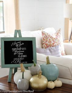 How to paint pumpkins with chalkpaint + add a printable to your existing chalkboard display