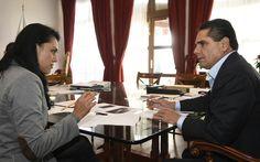 Este lunes, desde muy temprano, el gobernador de Michoacán se reúne con los y las integrantes del Gabinete Legal, para revisar, dependencia por dependencia, las acciones y programas que habrán ...