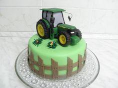 Traktor John Deer , Autíčka, vláčky... dorty   Dorty od mamy Farmer Birthday Cake, Tractor Birthday Cakes, Birthday Cakes For Men, Daddy Birthday, 2nd Birthday, Cow Cupcakes, Knitting Cake, Sewing Cake, Deer Cakes