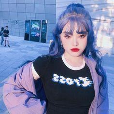 Já imaginou você sendo uma oitava integrante do Bts? Faça suas escolh… #diversos # Diversos # amreading # books # wattpad Ulzzang Korean Girl, Ulzzang Hair, Uzzlang Girl, Grunge Hair, Poses, Aesthetic Girl, Blue Hair, Hair Looks, Cute Hairstyles