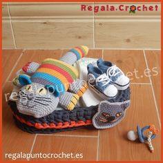 Canastilla de recién nacido. #Canastilla de recién nacido modelo Gerard. 100% personalizables. Hecho a mano. #RegalaPuntoCrochet #handmade #bebés #crochet