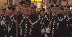 Leipzig – Mit fünf Bergmannskapellen zogen rund 650 Teilnehmer zum achten Mal durch die Leipziger Innenstadt.   Insgesamt nahmen 27 Vereine  …