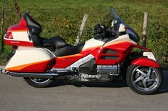Honda Gold Wing leaning reverse trike by Ludovic Lazareth