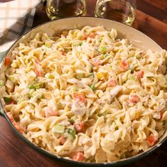 Pot Pie Noodles The faster version for your favorite comfort meal. Get the recipe at .The faster version for your favorite comfort meal. Get the recipe at . Easy Chicken Recipes, Pasta Recipes, Cooking Recipes, Healthy Recipes, Recipes Dinner, Recipe Chicken, Meal Ideas For Dinner, Bread Recipes, Cooking Tips